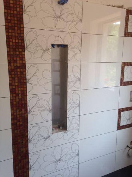 Bagno Moderno Con Pavimento Effetto Legno.Bagni