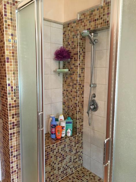 Bagni Mosaico Muratura: Vasca da bagno in muratura idee pietra naturale e.