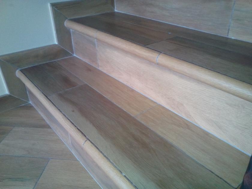 Pavimenti villino in gres porcellanato effetto legno for Gres porcellanato per scale interne