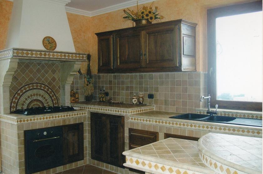Pavimenti e rivestimenti in ceramica gres porcellanato - Esempi di cucine in muratura ...